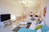 OYO 640 Home Mirdif  Studio