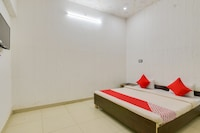 OYO ALD222 Rajaram Singh Blessing Garden And Hotel