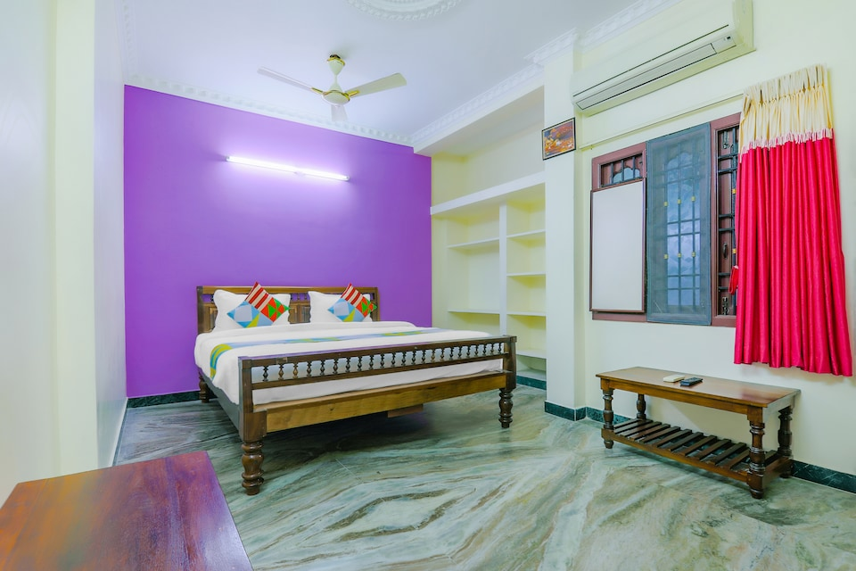 OYO 77673 Compact Home Stay