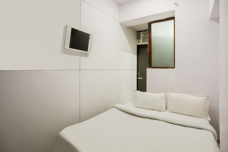 OYO Flagship 77739 Hotel Ivory Inn