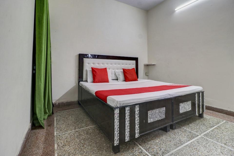 OYO 77745 Hotel Yatri Niwas, Sirsa, Sirsa