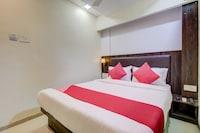OYO 77803 Hotel Jd Residency