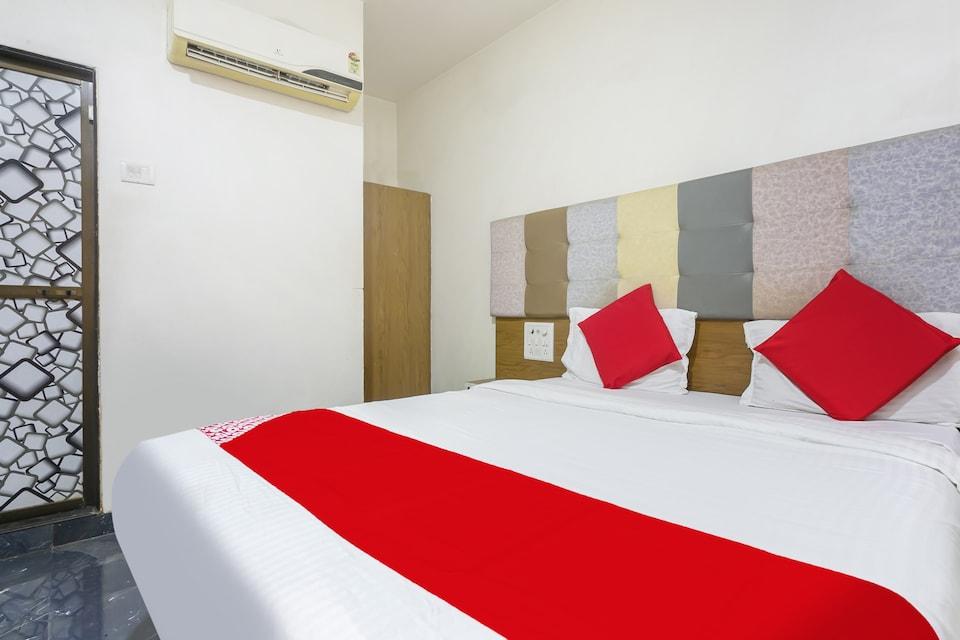 OYO 77827  The New Balaji Residency
