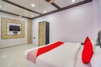 OYO 77834 Hazel Residency