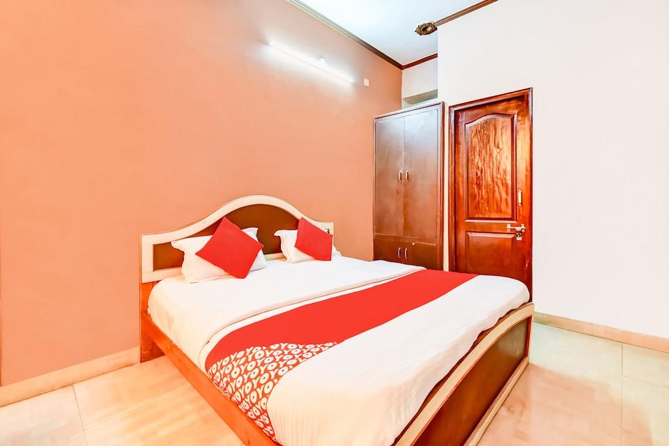 OYO 77868 Hotel Taj