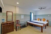 SPOT ON 77878 New Lahari Lodge