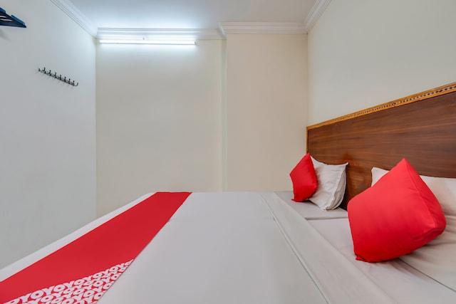OYO 77883 Hotel Tejas Inn