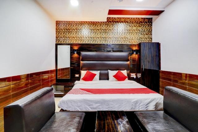 OYO 77890 Hotel Shivaya
