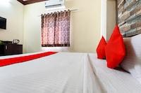 OYO 77903 Utsav Hotel