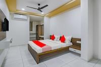 OYO 77910 Hotel Devanshi