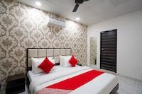 OYO 77914 Hotel Mannat