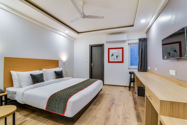 OYO 77957 Townhouse 324 HOTEL ASTRON Rajpur Road