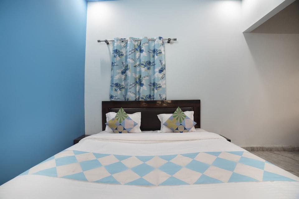 OYO Home 77963 Ratan's Villa, Rispana Pul Dehradun, Dehradun