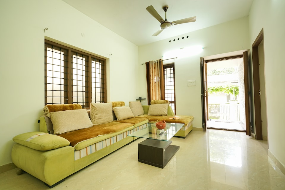 OYO 77996 Spacious 2 BHK Ashiana Homes