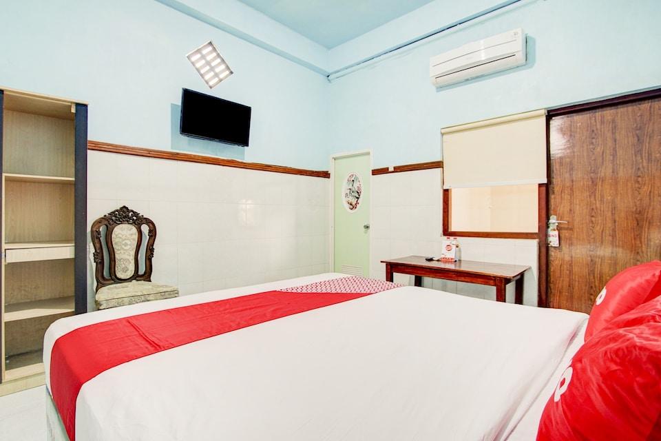 OYO 90214 HP Residence
