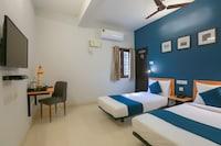 OYO Silver Key 78054  Murugan Rooms