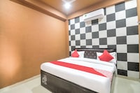 OYO 78080 Dc Guest House