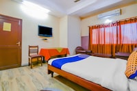 SPOT ON 78088 Hotel Embassy