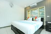 OYO Home 78123 Luxurious 3 BHK