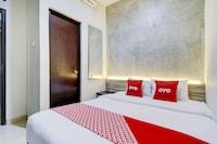 OYO 90215 Ada Residence