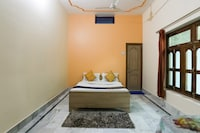 SPOT ON 78162 Maitri Paying Guest House