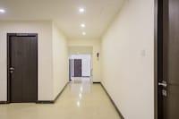 Capital O 78164 Akshaya Business Hotel