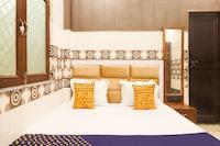 SPOT ON 78167 Hotel Royal Castle