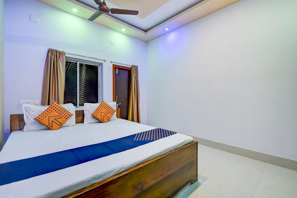 SPOT ON BMP036 Hotel Eternal , Berhampore, Berhampore