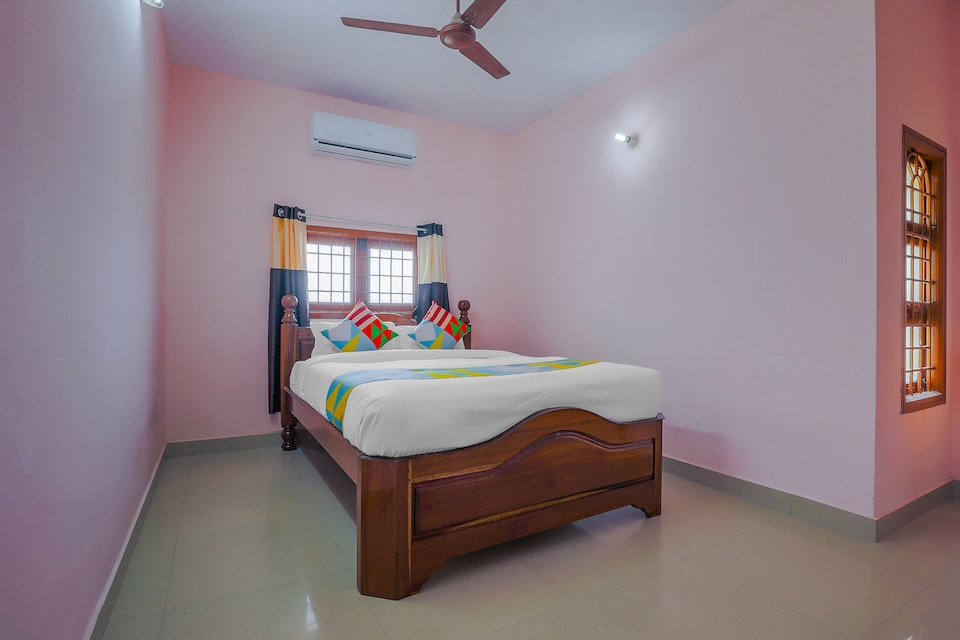 OYO  78184 2 BHK Compact Home In Mudhaliarpet