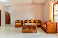 OYO Home 78237 Elegant Stay Fine Nest Homes