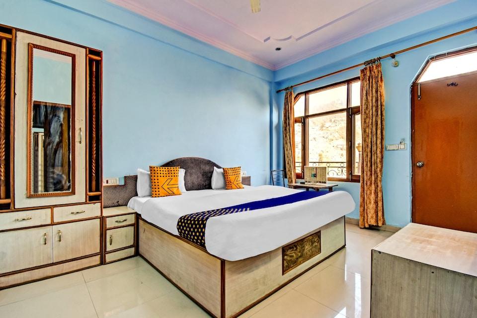 SPOT ON 78296 Kanha Palace