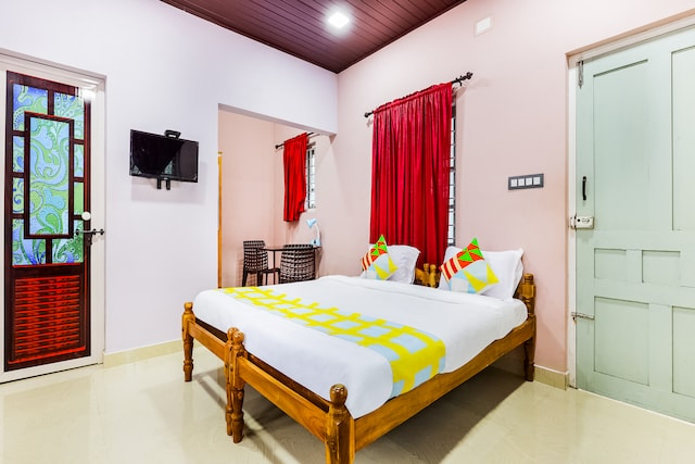 OYO Home 78350 Pleasant Stay Edens Home Near Alleppey Boathouse