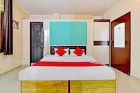 OYO 78449 Hotel Heera Palace