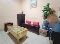 OYO 90234 Dhoho Family Guest House