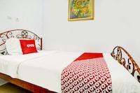 OYO 90237 Ar 20 Guest House Syariah