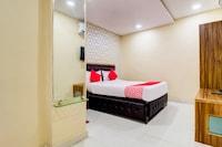 OYO 78536 Hotel Radhika Majestic