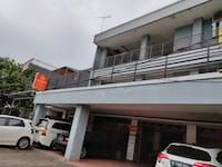 OYO 90251 Makaliwe Residence