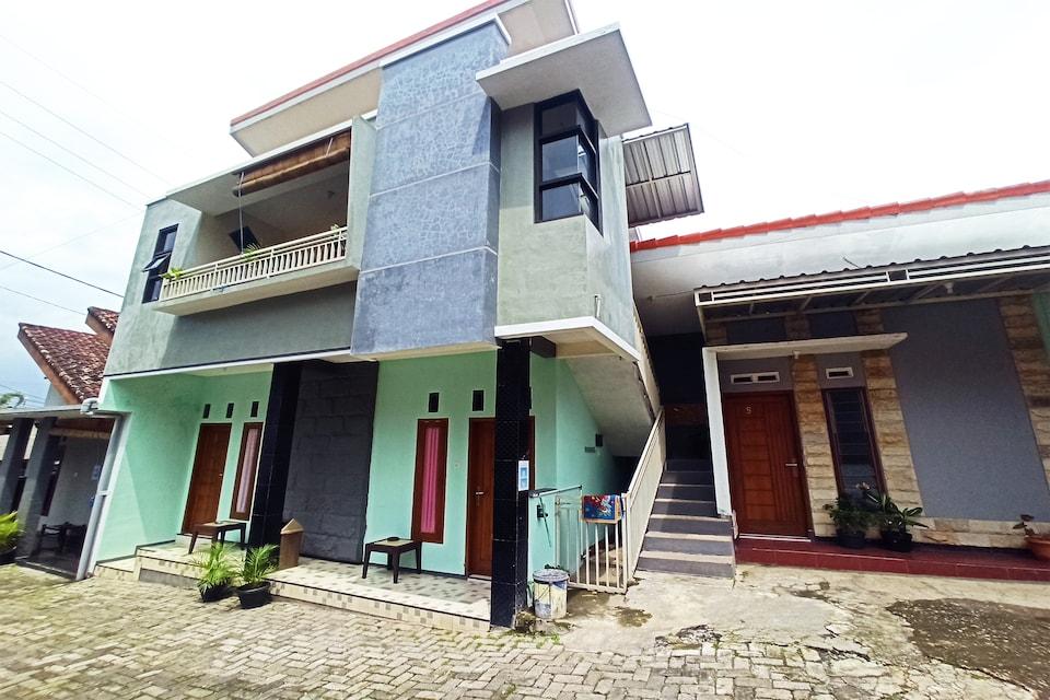 OYO 90252 Villa Dini & Homestay Batu, Malang Malang, Malang