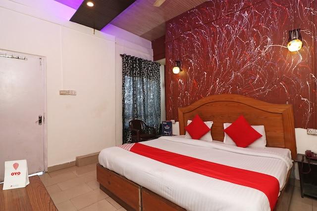 SPOT ON 78600 Hotel Dakshit Inn