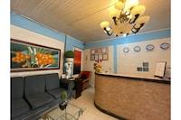 OYO 749 La Maria Pension And Tourist Inn Hotel