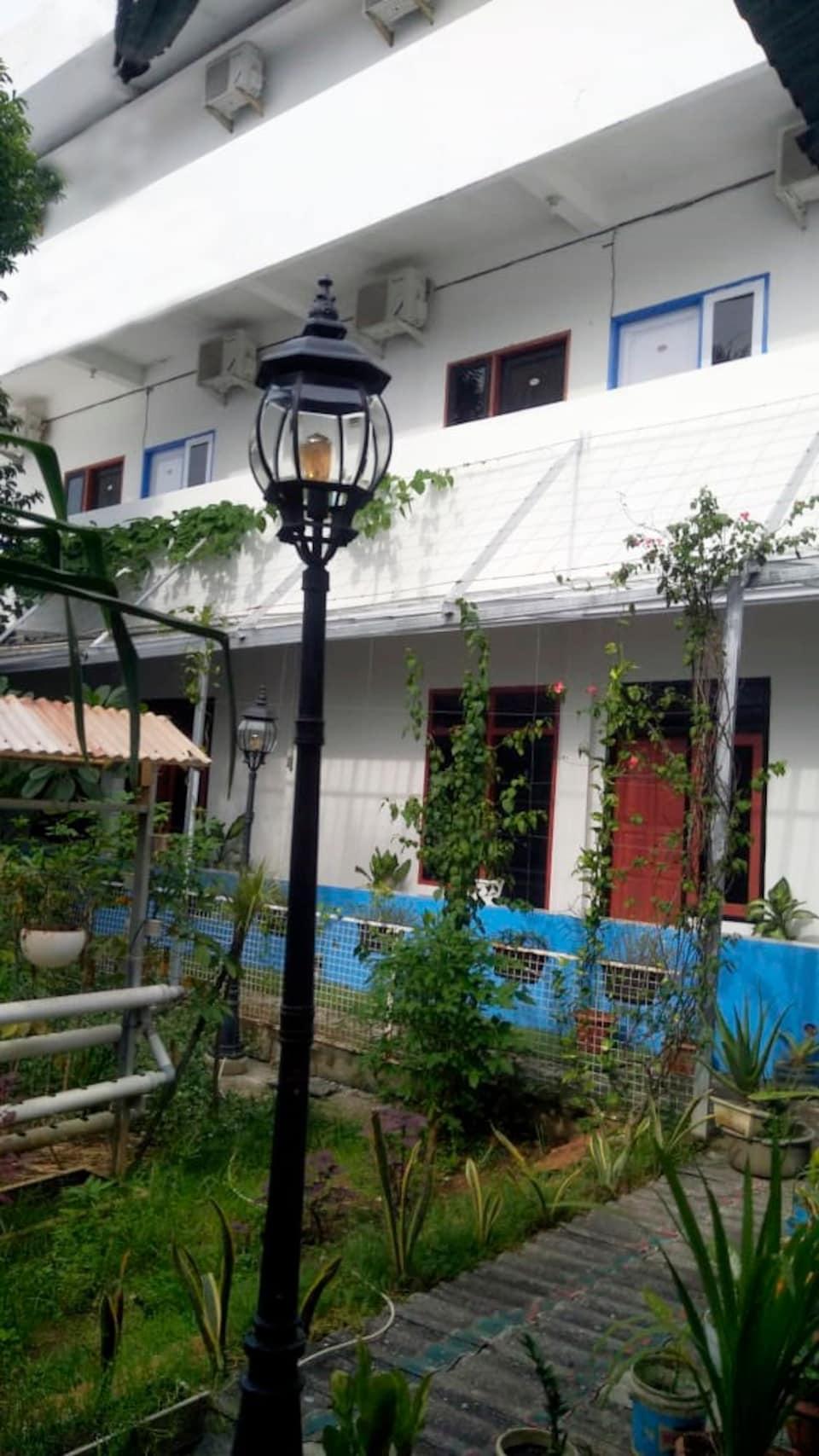 OYO 90260 Bumi Merpati Residence