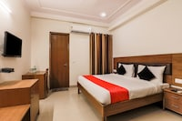 OYO 78657 Collection O Red Carpet Hotels
