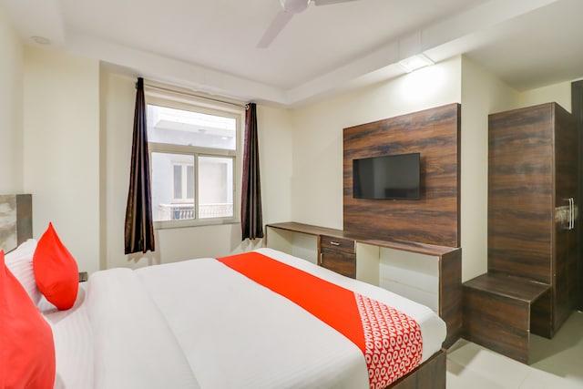 OYO 78736 Hotel Aero Inn