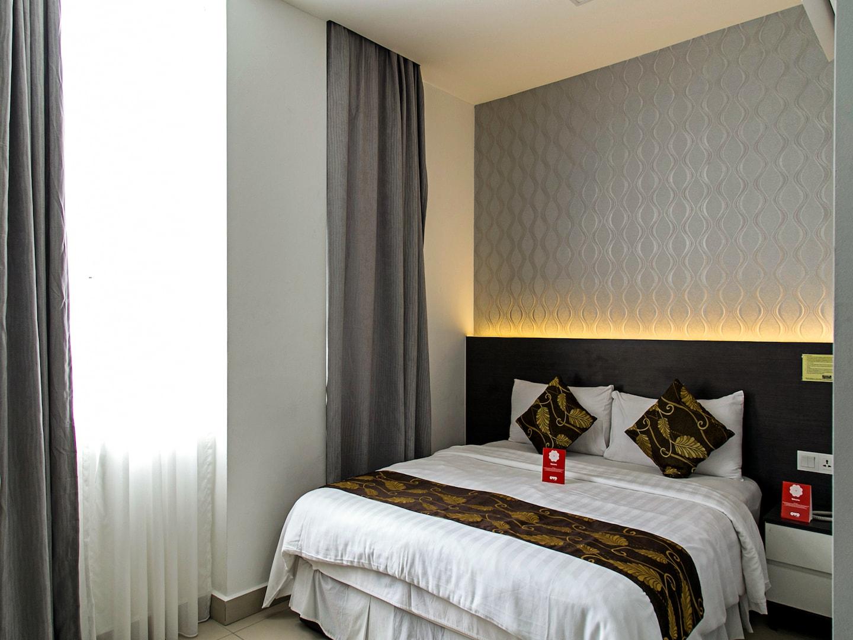 OYO 223 D' Metro Hotel -1