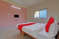 OYO KLP105 Dwarika Guest House