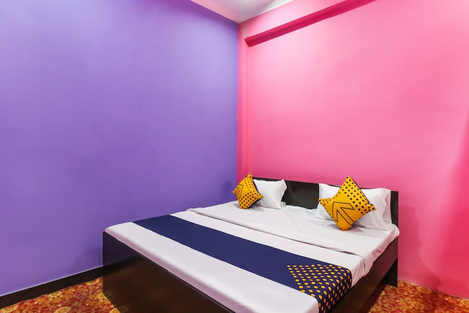 SPOT ON 78880 Rajdhani Hotel