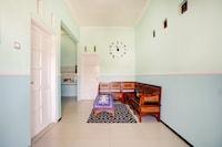 OYO 90284 Villa Biru