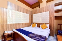 SPOT ON 79005 Hotel Ganga Kripa