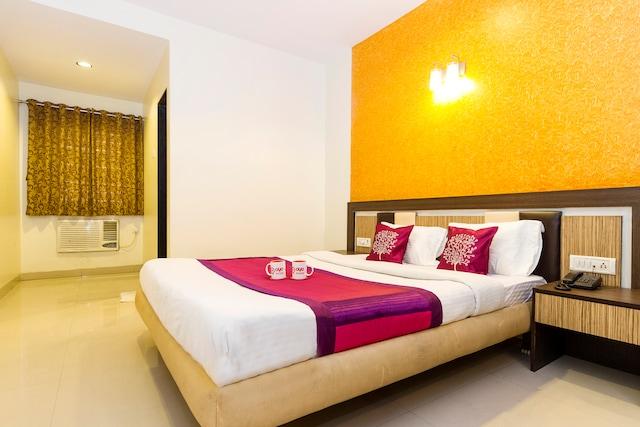 OYO 996 Hotel Enzo International