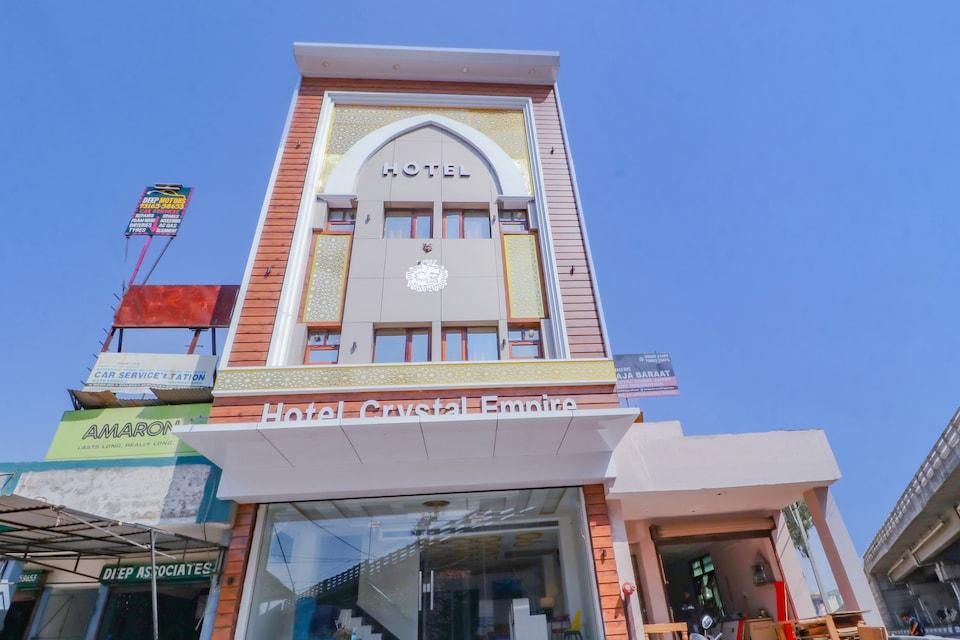 Capital O 79052 Hotel Crystal Empire